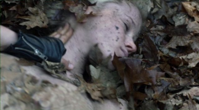 Falling Skies S2x06 - Jessy Schram as Karen is found barely alive