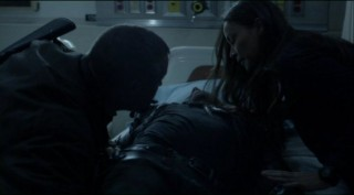 Falling Skies S2x06 - Lyle and Anne bring in a survivor - And who do we have wounded now