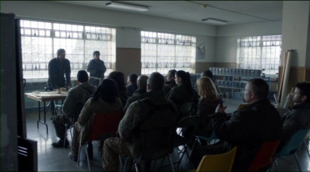 Falling Skies S2x06 - The 2nd Mass meeting to discuss developments