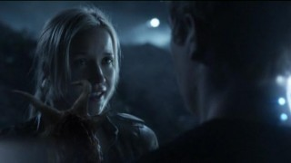 Falling Skies S2x07 - Skitterized tries to convince Ben