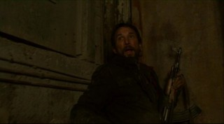 Falling Skies S2x07 - Tom watches the alien BBQ