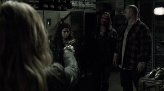 Falling Skies S2 X09 Maggie catches Pope