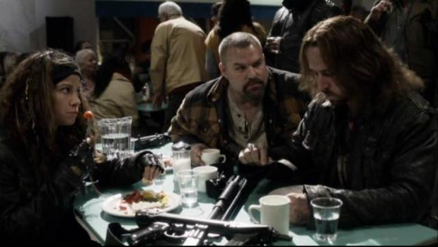 Falling Skies S2 X09 Popes Berzerkers plan on leaving