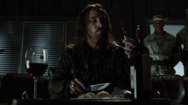 Falling Skies S2 X09 Pope enjoys his steak