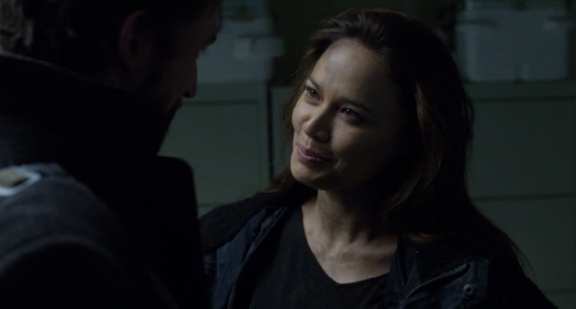Falling Skies S2 x 10 Ann and Tom talking