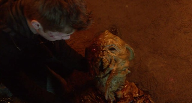 Falling Skies S2 x 10 Ben holding the Red eye skitter