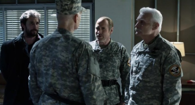 Falling Skies S2 x 10 General, Tom, Weaver, and Porter