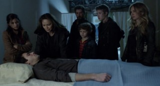 Falling Skies S2 x 10 Hal, Margaret, Lourdes, Ann, Tom, Matt, Ben