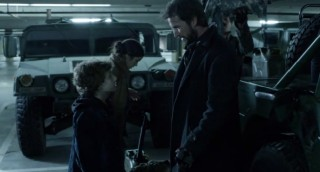 Falling Skies S2 x 10 Matt and Tom talking