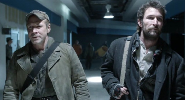 Falling Skies S2 x 10 Tom and Weaver