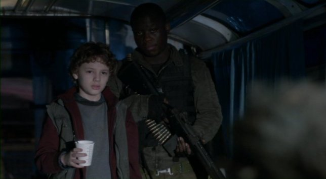 Falling Skies S2x08 - Alien fighters Matt and Anthony