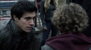 Falling Skies S2x08 - Drew Roy as Hal Mason
