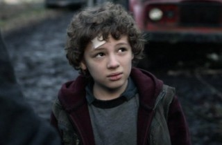 Falling Skies S2x08 - Maxim Knight as Skitter Fighter Matt Mason