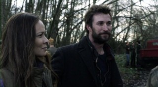 Falling Skies S2x08 - Moon Bloodgood as Anne with Noah Wyle as Tom