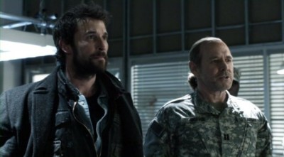 Falling Skies S2x10 - Tom Mason and Dan Weaver face reality