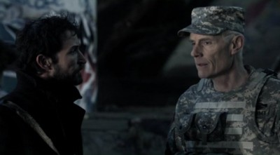 Falling Skies S2x10 - Tom with General Bressler a man with an agenda