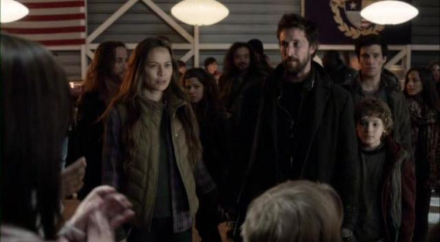 Fallingskies S2X09 Arrival Applaus