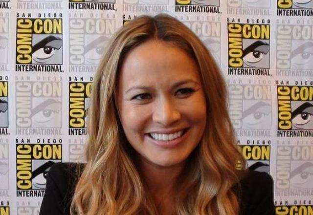 Falling Skies: Noah Wyle and Moon Bloodgood Share Series Secrets!