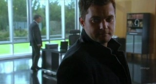 Fringe S4x08 - Peter with sad eyes