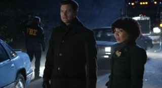 Fringe S4x12 - Astrid with Peter at the scene