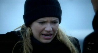 Fringe S4x12 - Olivia is in pain