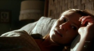 Fringe S4x12 - Olivia wakes troubled from the dream
