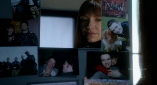 Fringe S4x17 - Alt-Livia is sad clearing Alt-Lincolns locker