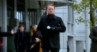 Fringe S4x17 - Jared Harris as David Robert Jones