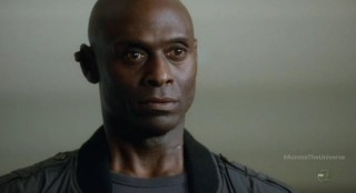Fringe S4x18 - Alt-Broyles is shocked to see David Robert Jones