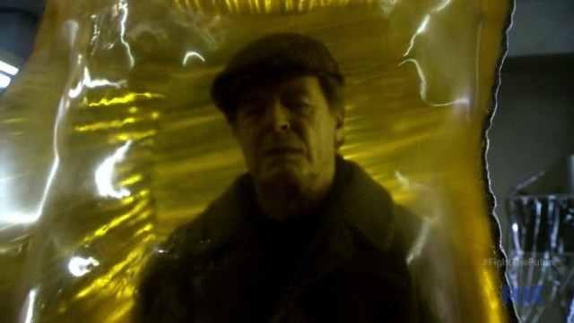 Fringe S4x19 - Walter Bishop in Amber