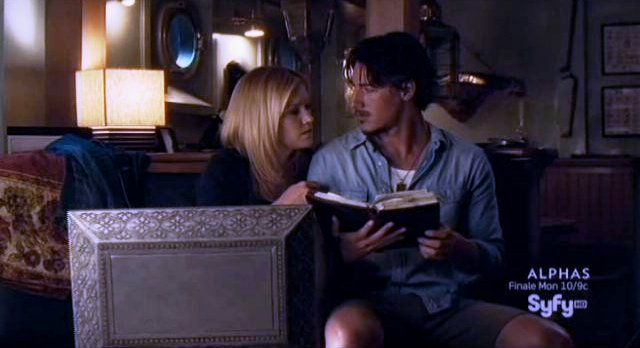 Haven S2x11 - Audrey and Duke study Simon Crockers book
