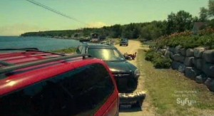 Haven S2x13 - Wrecked vehicles litter the highways