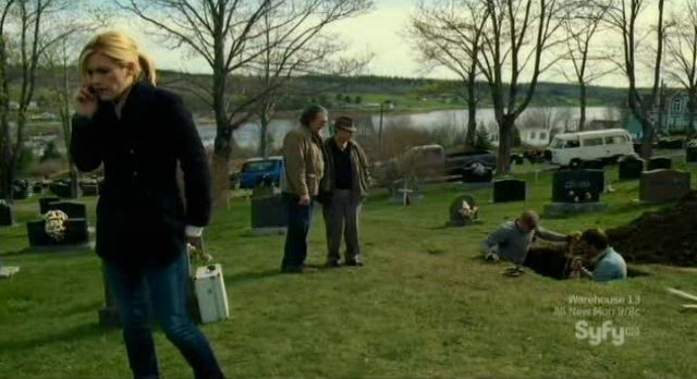 Haven S3x01 - At the Potters Field plot 301 grave site in Haven