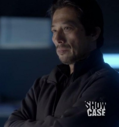 Helix S1x06 Aniqatiga Hatake keeping an eye on things