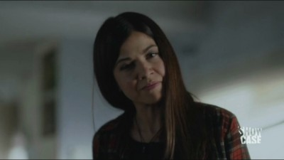 Helix S1x06 - Luciana Carro as law enforcement officer Anana