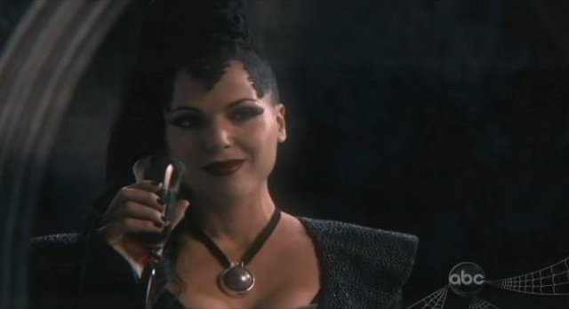 Once Upon A Time S1x02 - Cheers to great costumes