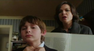 Once Upon A Time S1x02 -In Henrys room - Where are the missing pages?
