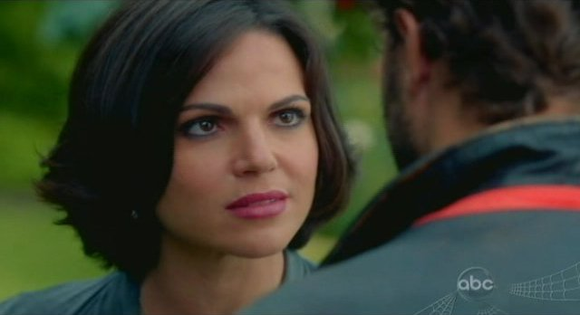Once Upon A Time S1x02 - Mayor Regina is not to be trusted