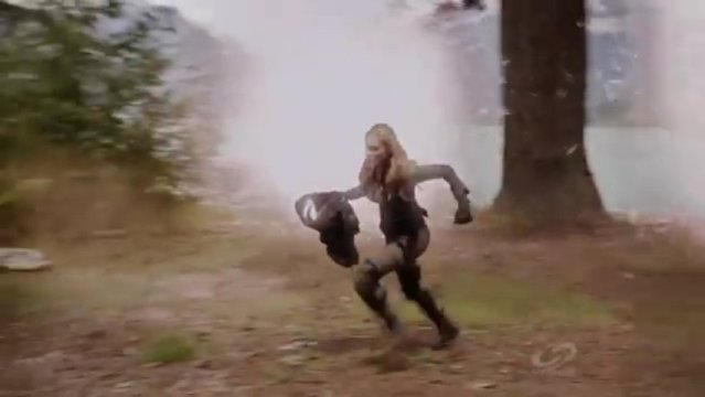 Primeval New World S1x13 - Dylan heads for the portal