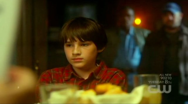 Supernatural S7x10 - Young Bobby sits down at the dinner table