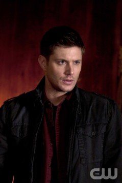 Supernatural S7x18 - Jensen Ackles as Dean in Party On, Garth