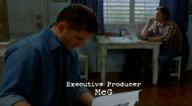 Supernatural S7x19 - Dean and Sam looking over Annies case