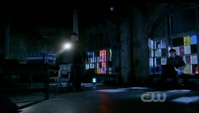 Supernatural S7x21 - Dean and Sam arrive at old warehouse with case