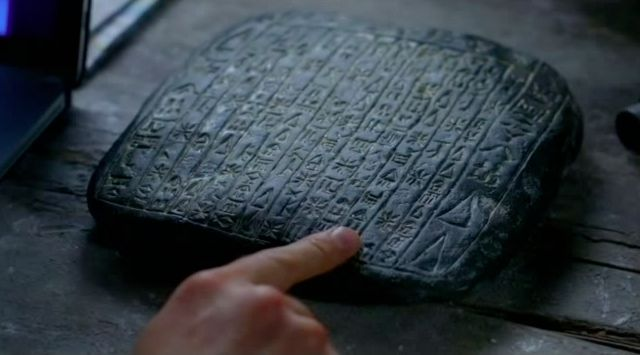 Supernatural S7x21 - Stone with symbols