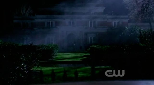 Supernatural S7x22 - Emily helps Dean and Sam find the house