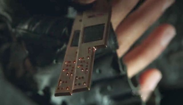 Terra Nova S1x05 - Electronic dog tags carried by Taylor's soldiers