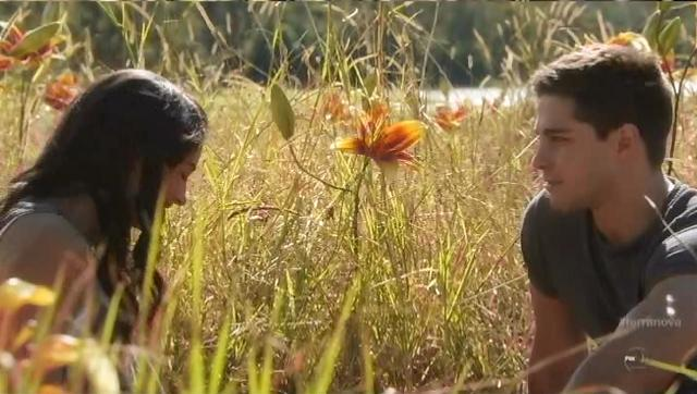 Terra Nova S1x06 Nightfall Maddy and Mark in lilly field