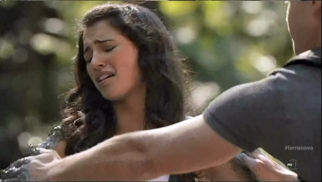 Terra Nova S1x06 Nightfall Mark putting stink leaves on Maddy