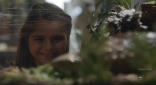 Terra Nova S1x09 - Zoe with her new pet