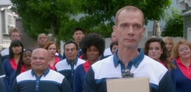 The Neighbors S1x02 - Doug Jones guest stars as Dominique Wilkins